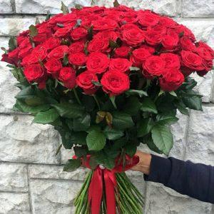 101 красная роза в Полтаве фото