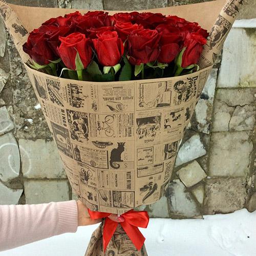 33 красные розы в Полтаве фото