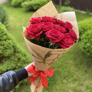 букет из 11 красных роз в Полтаве фото