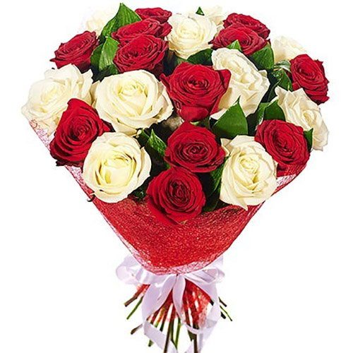 """Букет """"Соблазн"""" красные и белые розы"""