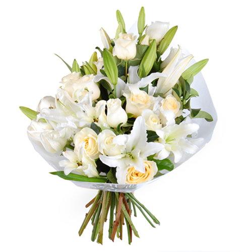 """Букет """"Девичья чистота"""" розы и лилии"""