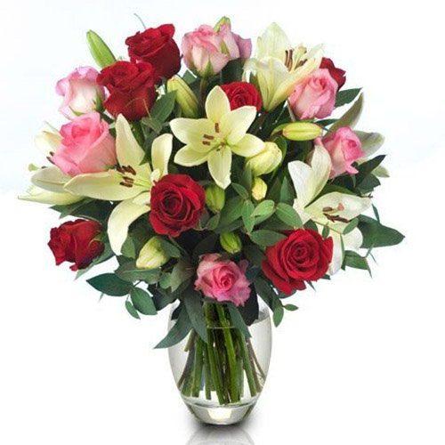 """Букет """"Пышность"""" микс роз и лилии"""