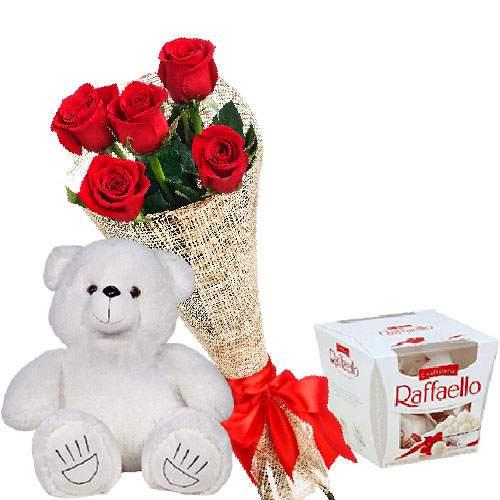 товар Мишка с букетом цветов и конфетами