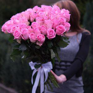 35 розовых роз в Полтаве