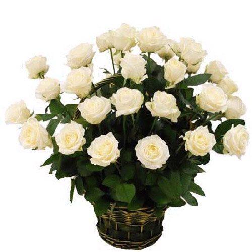 фото товара 35 белых роз в корзине