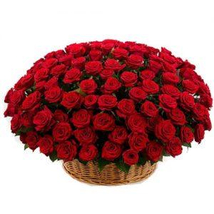 Корзина 101 красная роза букет