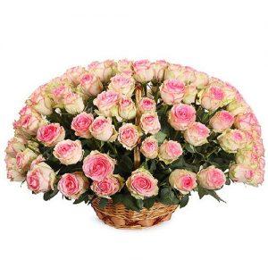 101 розовая роза в корзине фото