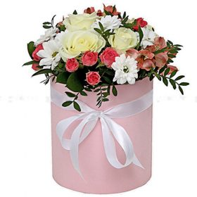 """Шляпная коробочка """"Розовая"""" микс цветов фото"""