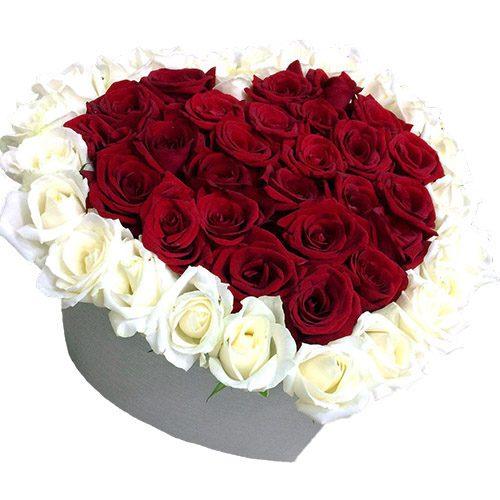 Фото товара 51 роза сердце в специальной коробке