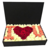 Фото товара 5 белых роз с конфетами