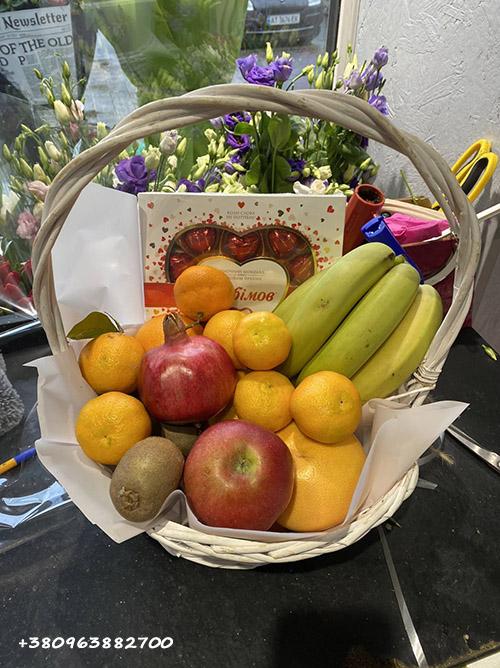 Корзина фруктов с доставкой в полтаве