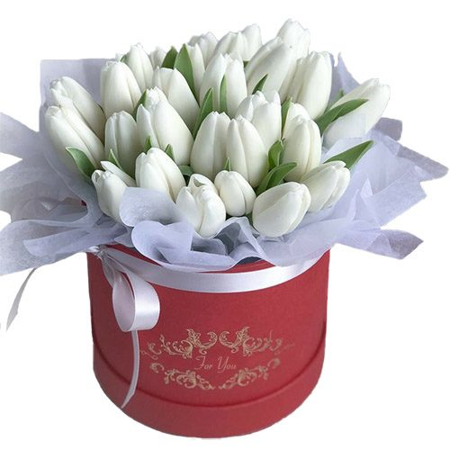 Фото товара 31 белый тюльпан в коробке