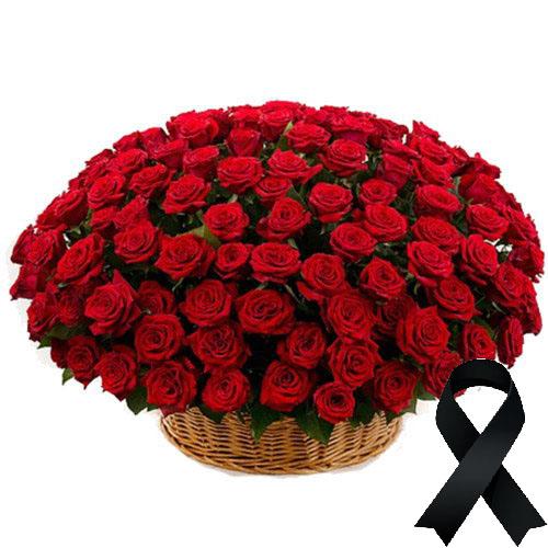 Фото товара 100 красных роз в корзине