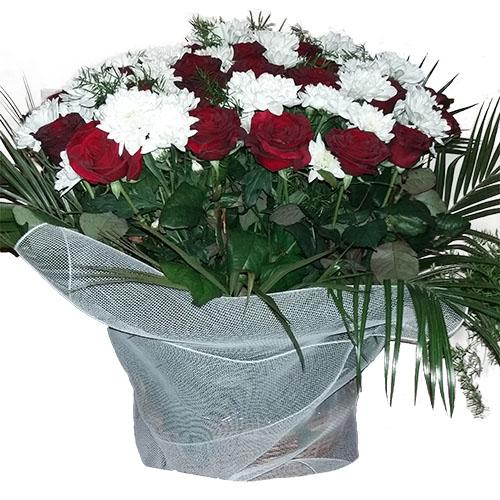 """Фото товара Корзина """"Цветы и вуаль"""""""